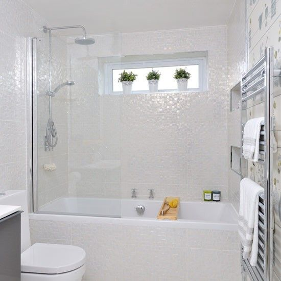 Mosaic Tile Apartment Ideas: Iridescent Bathroom Tiles
