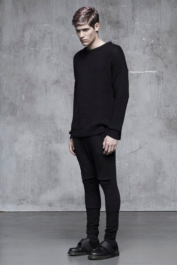Fashion women black clothing women and the internet on for Minimalist look