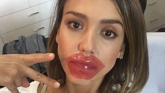 Jessica Alba shares a collagen lips mask selfie - Cosmopolitan.co.uk: