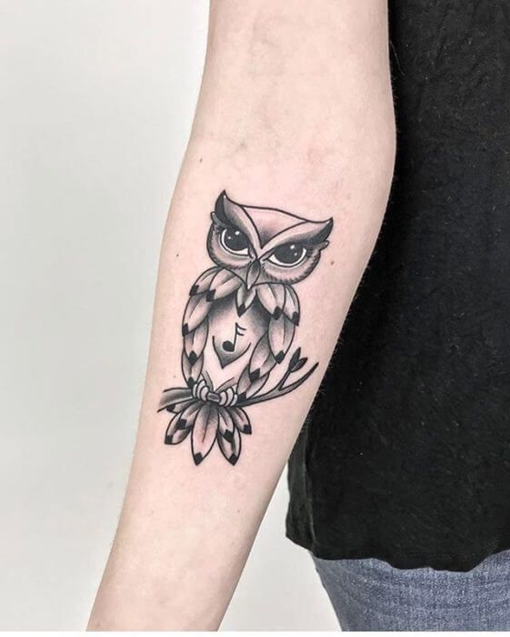 12 Best Traditional Owl Tattoo Designs Petpress In 2020 Traditional Owl Tattoos Owl Tattoo Design Tattoo Designs