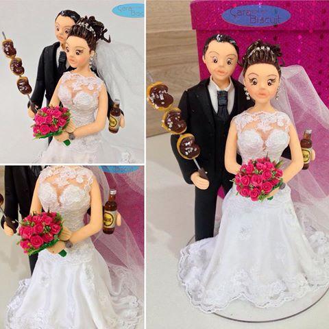 😍🍻 #noivinhospersonalizados #caraarteembiscuit #casamentos #churrasco #cerveja #atrasadosparaocasamento #noivas #noiva #noivinhos #topodebolo #topodebolopersonalizado #wedding #weddingcake #weddingdream #weddingdress #buquepink #churrasqueiro 🍻 #noivinhosdiferente #noivinhoscaraarteembiscuit 👉🏻💌Orçamentos: caraarteembiscuit@yahoo.com.br, ou mensagem inbox na página https://facebook.com/caraarteembiscuit