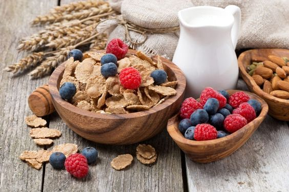 7 Of The Best Cold Cereals For Weight Loss #ReImagineDieting Sign up for more weight loss recipe ideas like this at fullplateliving.org