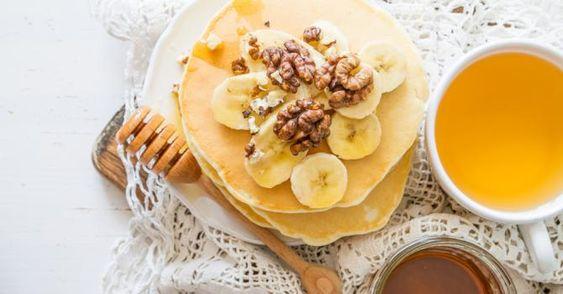 Recette de Pancakes minceur miel, banane et noix. Facile et rapide à réaliser, goûteuse et diététique. Ingrédients, préparation et recettes associées.