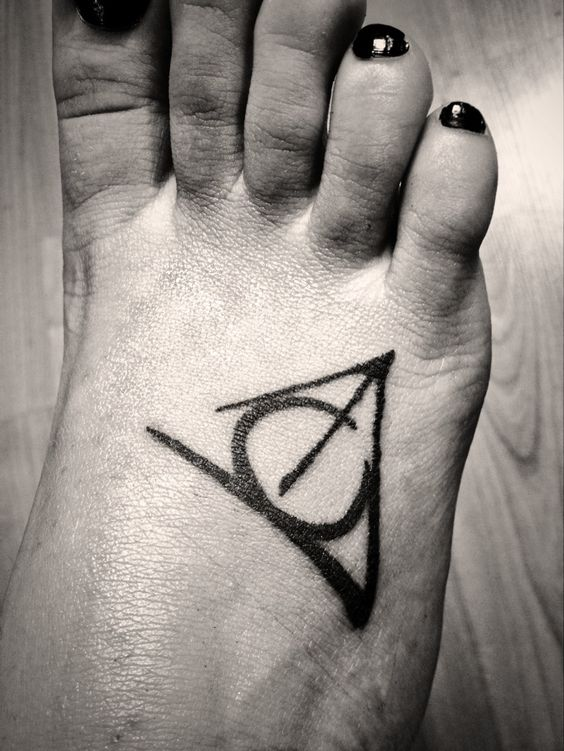 harry potter elder wand invisibility cloak and the sorcerers stones deathly hallows tattoo. Black Bedroom Furniture Sets. Home Design Ideas