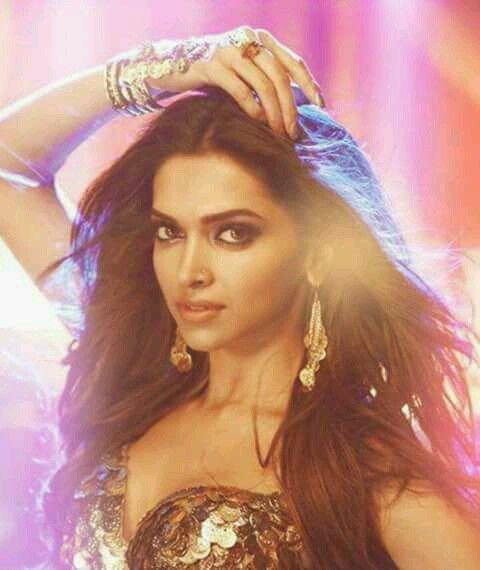 Movie Happy New Year Mohini Deepika Deepika Padukone Movies Deepika Padukone Beauty Model
