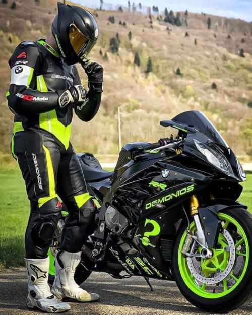 Pin Von Searunner Auf Motorcycling In 2020 Motorrad Fahren Biker Motorrad