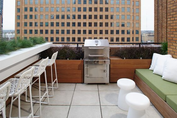 nice use of a small roof deck space