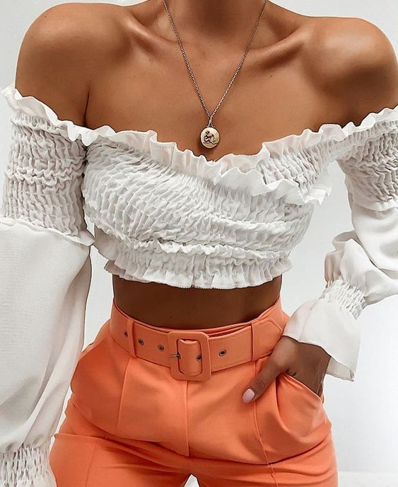 55 Stylish Crop Top For Women outfit fashion casualoutfit fashiontrends