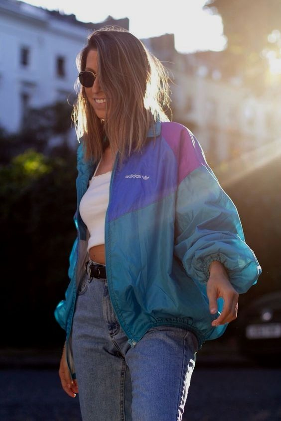 18 Outfits With Windbreakers Glamsugar Com Vintage Jacket Outfit Windbreaker Outfit Casual Windbreaker Outfit