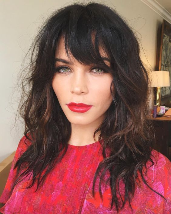 23 Best Medium Length Hairstyles With Bangs For 2018 2019 Medium Length Wavy Hair Medium Hair Styles Medium Length Hair Styles