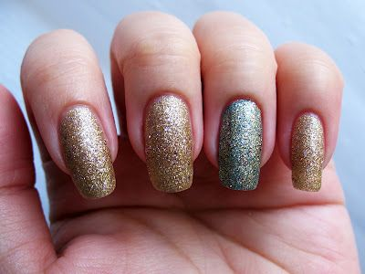 Savvy Ginger Ale - a champagne gold glitter with sparse lavender glitter pieces. Click the image for more!