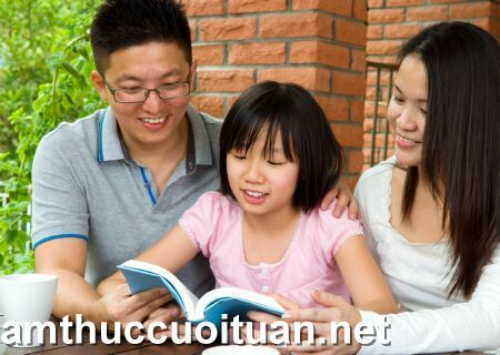 trẻ học tiếng hàn