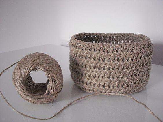 panier crochet ficelle de lin crochet pinterest crochet rangements et bol en crochet. Black Bedroom Furniture Sets. Home Design Ideas