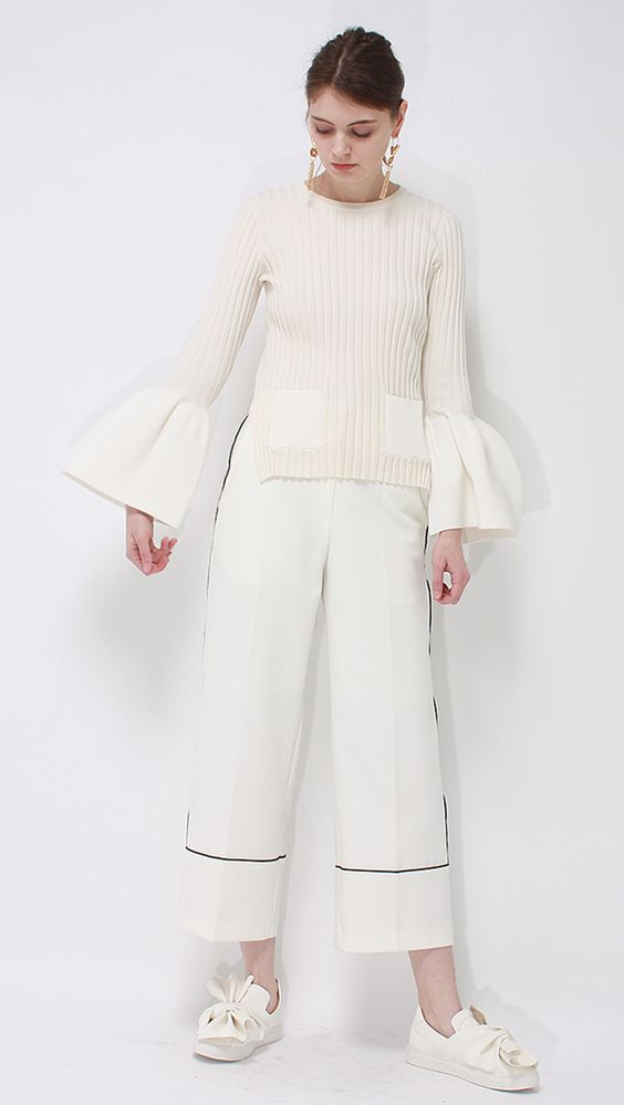 étre bell sleeve knit: