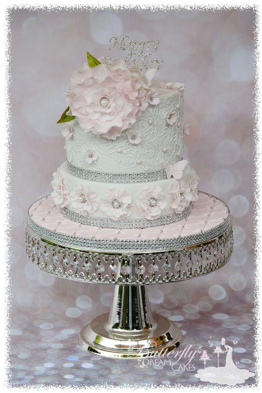 Una torta de cumpleaños 30a