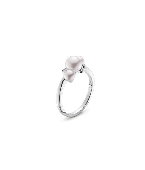 A New And Playful Collection Bubbles Features Akoya Cultured Pearls Clustered Toget Pearl Engagement Ring Classic Diamond Engagement Ring Diamond Bubble Ring