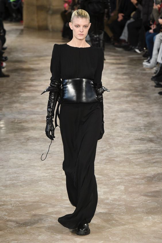 The complete Ann Demeulemeester Fall 2018 Ready-to-Wear fashion show now on Vogue Runway.