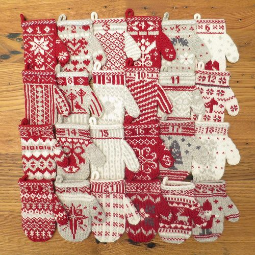 Free knitting pattern: Mitten Garland Advent Calendar - Mitten 24 -