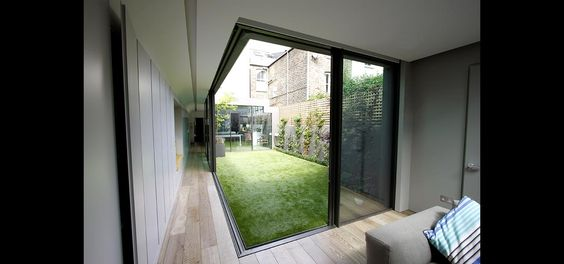 Minimal Sliding Door System used in a contemporary interior courtyard in Richmond