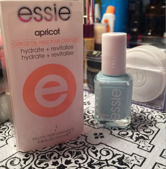 #Essie #Nailpolish Mint Candy Apple and Apricot cuticle oil ♡ BOGO at CVS! #bbloggers #beautysteals   www.thesassyblogger.com