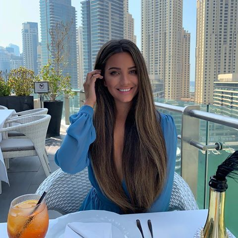 Brunches In Dubai Are On A Whole Different Level Long Hair