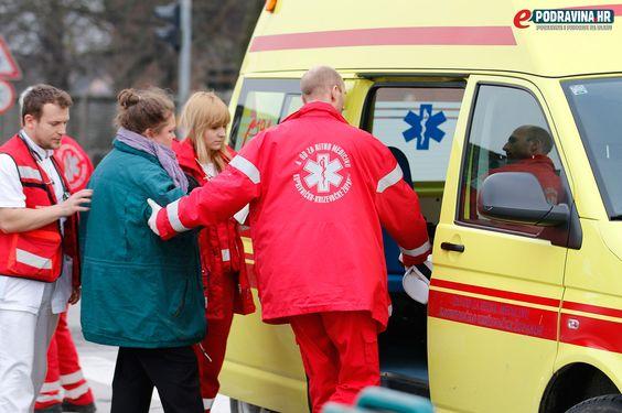 FOTO Sudar na semaforima kraj škole, vozačica prevezena u bolnicu