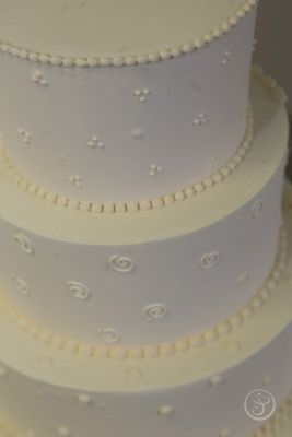 Detail from a buttercream cake. L'Art du Gâteau Graduation Showcases Edible Artistry | The French Pastry School