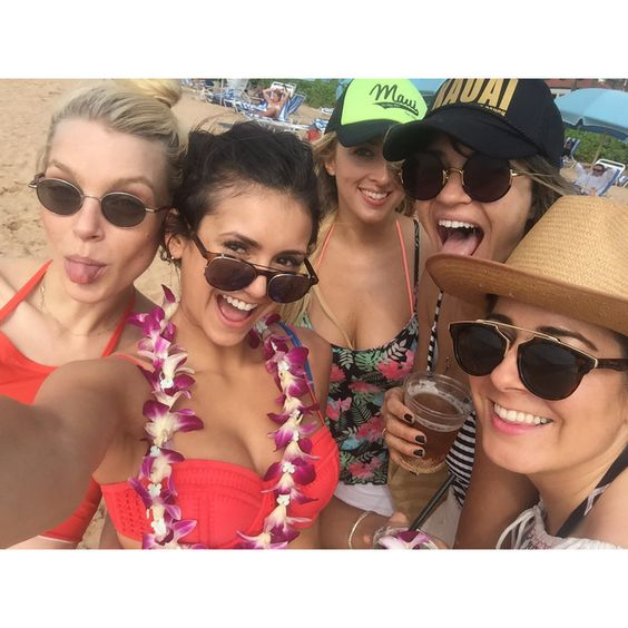 #AlohaLadies