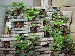 Afbeeldingsresultaat voor stapel stenen plantenbakken