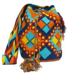 www.mochilaswayuubags.com whatsapp +57 320 345 9226 #wayuu #crochet #handmade…