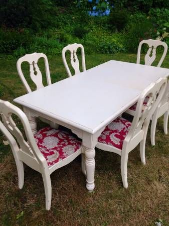 Pottery barn antique french country dining table - $450 (kirkland) http://seattle.craigslist.org/est/fuo/4893320242.html - So cute!