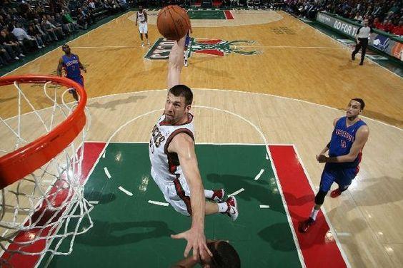 Husky Basketball Alum Jon Brockman of the Milwaukee Bucks!