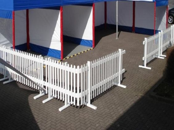 Inexpensive portable white privacy fence ideas http for Portable privacy fence