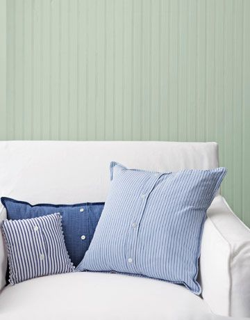 How to Make Buttoned-Up Pillows