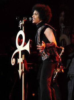 The Examiner - Concert Review: Prince closes 2013 with a weekend performance at Mohegan Sun: