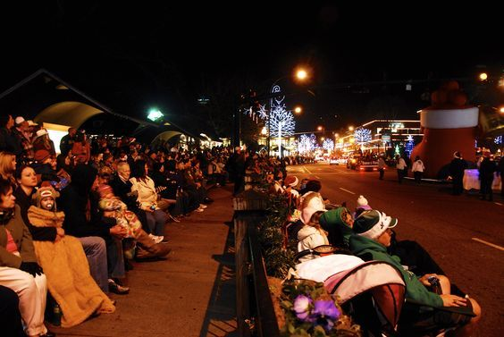 Smoky Mountain Christmas Parade 2020 Gatlinburg Christmas Parade in 2020 | Gatlinburg christmas