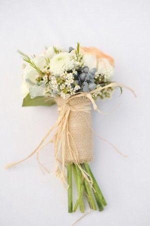 Burlap-Wrapped-Bouquet