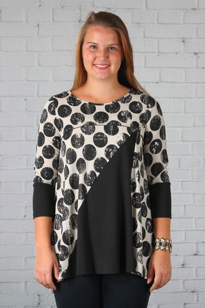 Comfy USA'sRihanna Tunicis a whimsical and fun statement top to wear for parties, entertaining or out on the town, any dress up event. This tunic top has thre