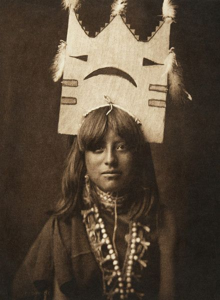 Tablita woman dancer - San Ildefonso (The North American Indian, v. XVII. Norwood, MA, The Plimpton Press, 1926):