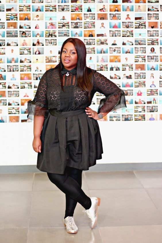 how to wear all black, metallic oxfords, @eloquii lace blouse, winter fashion, plus size style