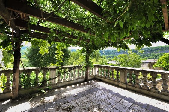 Manoir de Foussac, (Floirac) - Self-catering chateau / country house with Barbecue in Floirac , sleeps 28 | HomeAway
