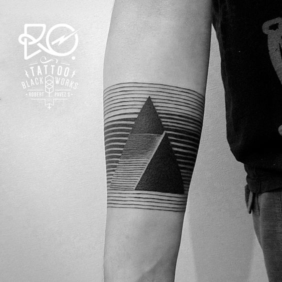 Tattoo / line work / #triangle #line / Chile 2014. By RO. http://www.instagram.com/ro_tattoo/