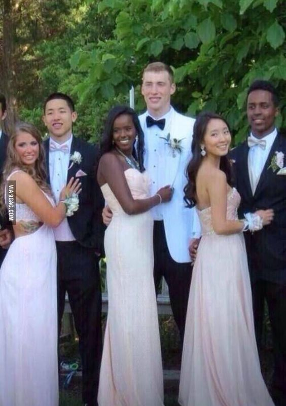 Everyone took each others sisters to prom....it's like perfect...so much beautiful in one picture!