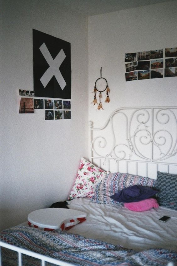 I like this bedroom because even though it 39 s simple it for Cute simple bedrooms