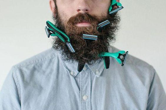 Was man so alles in seinen Bart stecken kann
