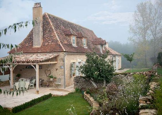 Outdoor living french farmhouse and french country house for French farmhouse house plans