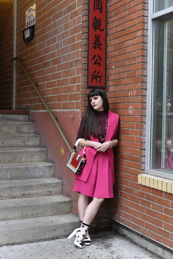 Colour blocking, pink shorts, pink vest, pink and burgandy, vintage shorts, street style, china town