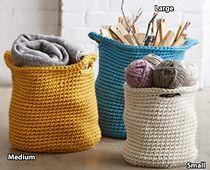 Ravelry: Cache Baskets pattern by Bernat Design Studio... Free crochet pattern!