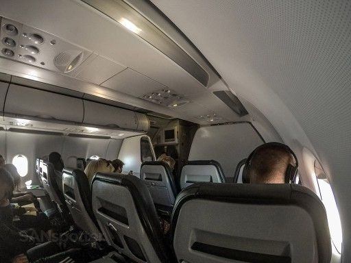 Frontier Airlines Stretch Seats Airbus A320 200 3 3 Layout Configuration Sanspotter Cabin Interiors Airlines Fleet
