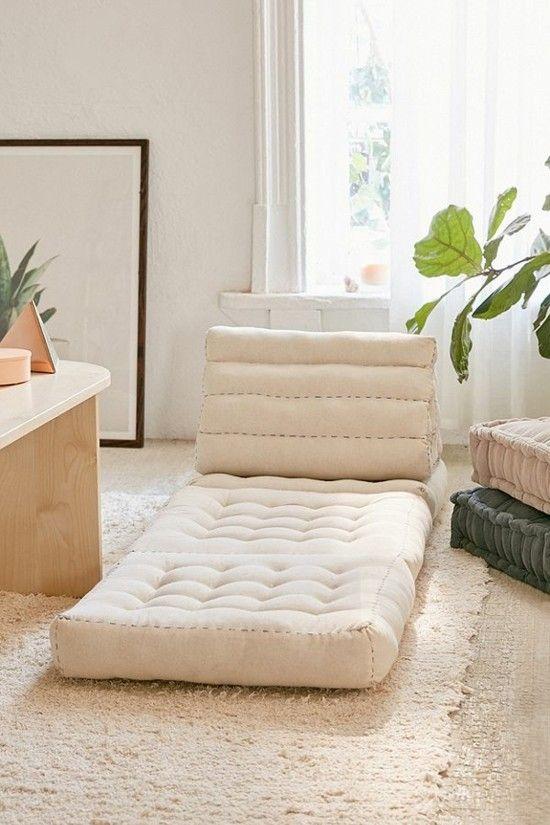 50 Bodenkissen Einrichtungsideen Zum Wohlfuhlen Bodenkissen Einrichtungsideen Schlafzimmer Boden Schreibtisch
